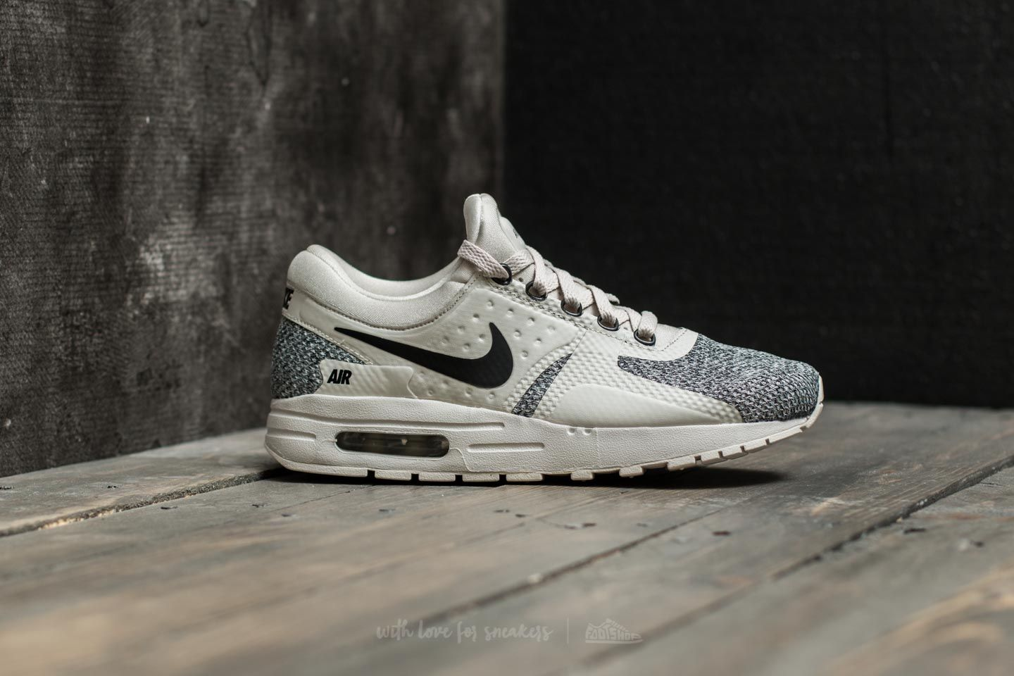 NEW NIKE AIR MAX ZERO SPECIAL EDITION (GS) TRAINERS UK SIZE 4.5 WOMENS WHITE