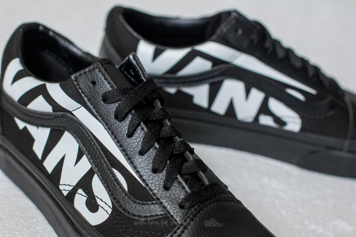 vans old skool black cena