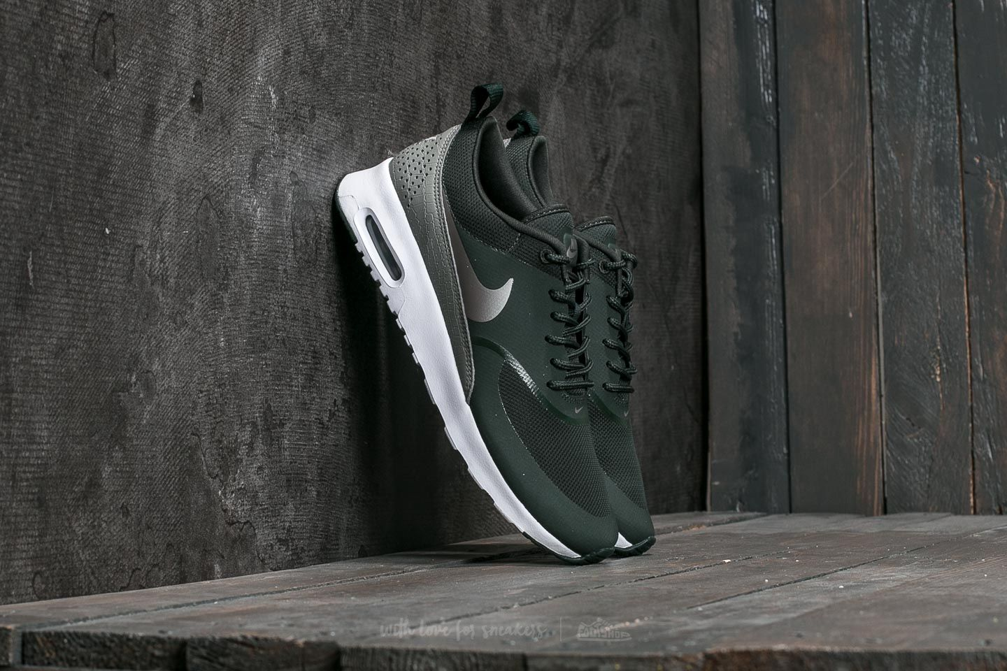 new product 1e990 d4dc4 ... black white 98a7e 78b06 greece nike w air max thea outdoor green metallic  pewter at a great price 103 c5998 ...