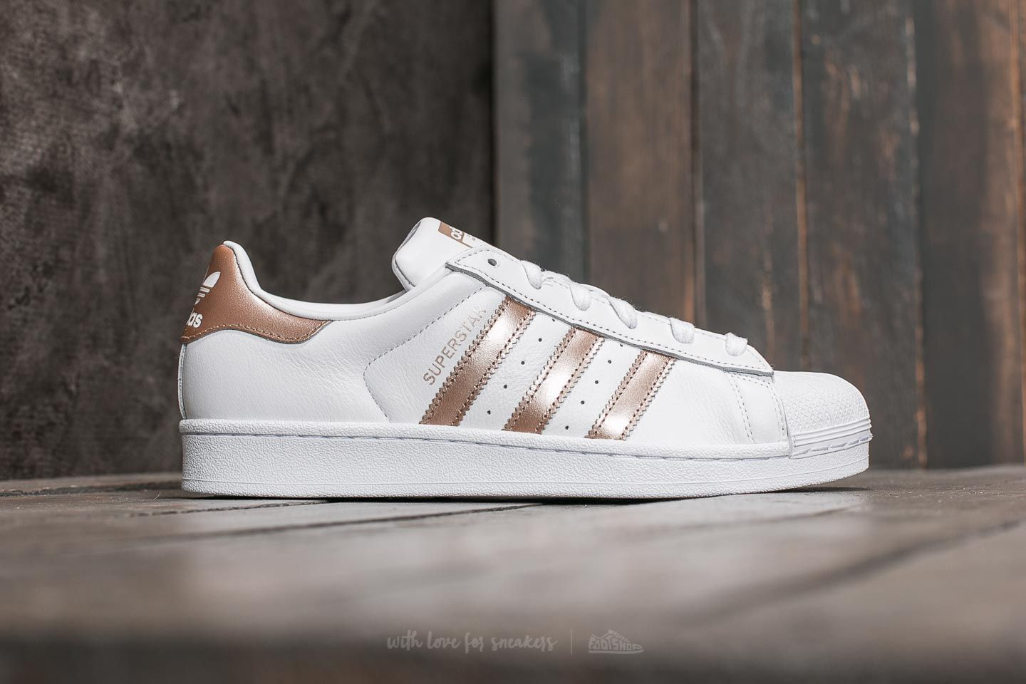 adidas Superstar W FTW White/ Cyber Metallic/ FTW White at a great price £