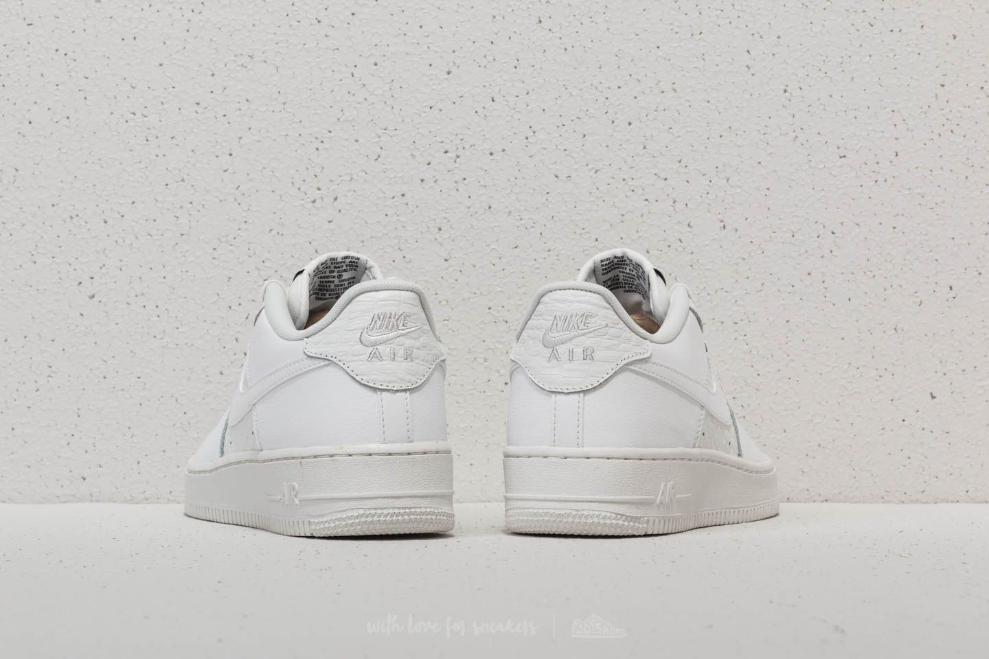 Nike Air Force 1 LV8 (GS) Summit White/ Summit White at a great