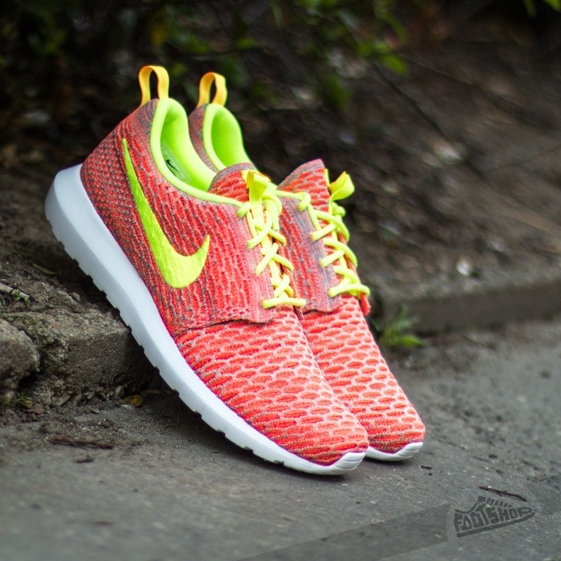 Nike Flyknit Rosherun Roshe Run NM Hot Lava Volt