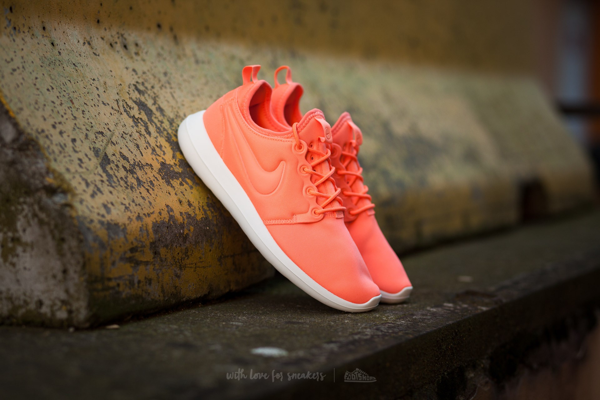 Nike W Roshe Two. Atomic Pink ...
