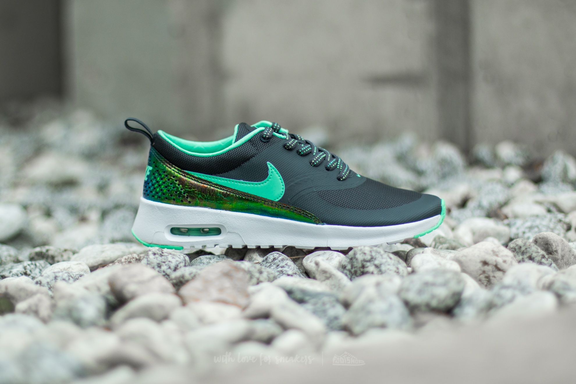 ... olive green; nike air max thea se gs anthracite green glow at a great  price