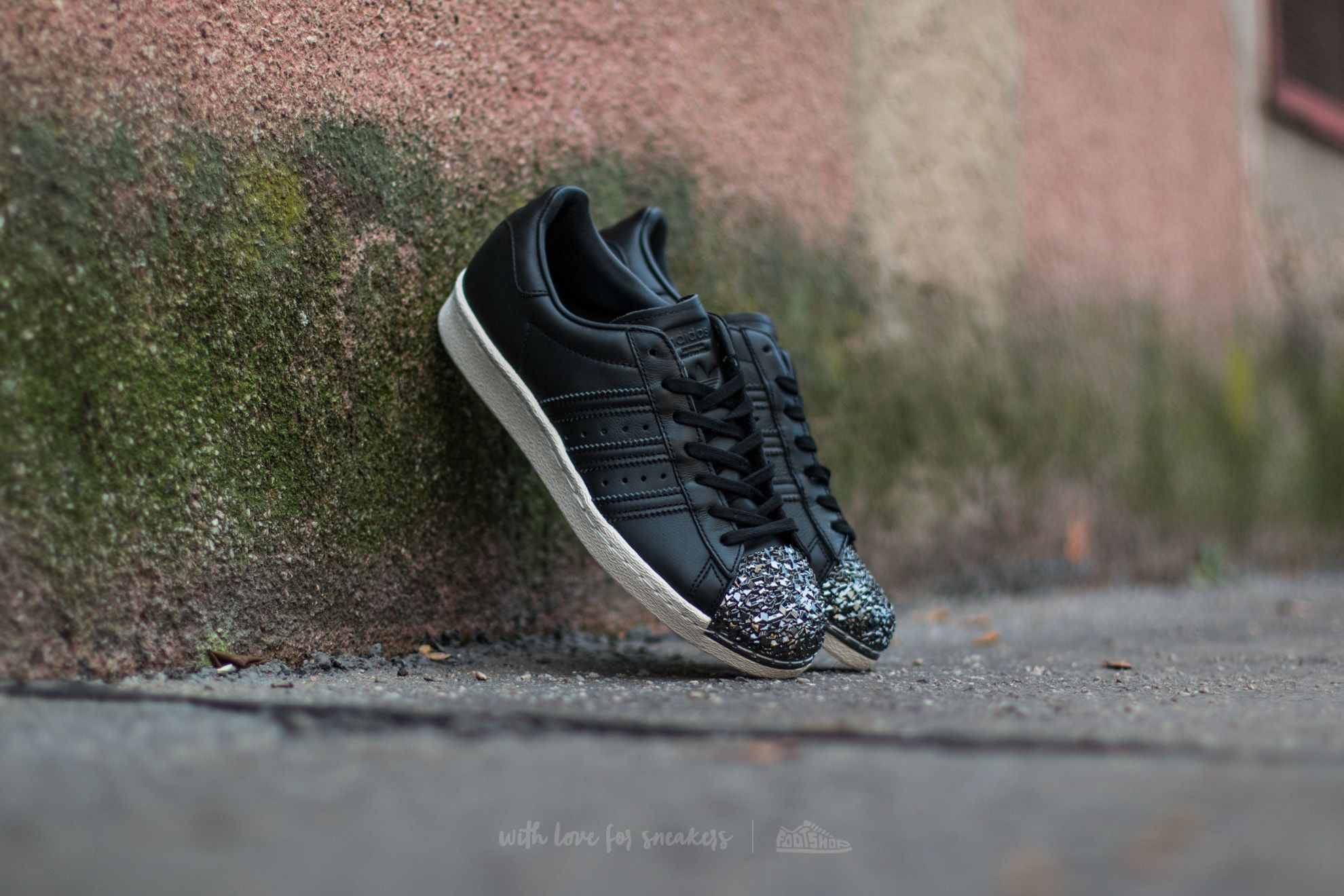 adidas Superstar Core Black Crystal White