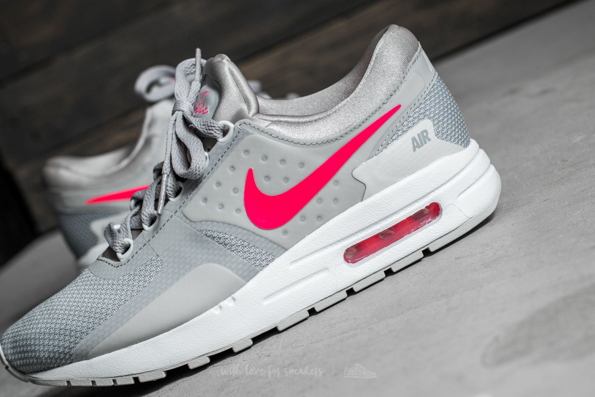 Nike Air Max Zero Essential GS Wolf Grey/ Racer Pink-White at a great